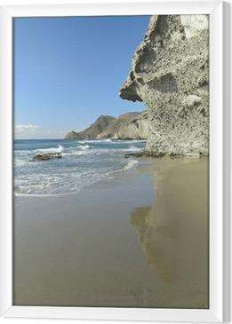 Cuadro Enmarcado Roca volcánica en la playa de Mónsul, Cabo de Gata