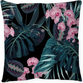 Dekorační polštář Bezešvé vzor, tmavě zelené barvy palmové listy a tropické růžové orchideje květiny na černém pozadí. prastarý styl.