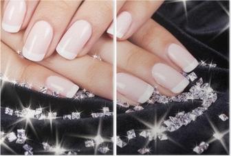 Díptico Las uñas de la mujer hermosa con la manicura francés y diamantes.