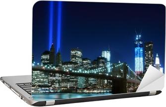 Dizüstü Bilgisayar Çıkartması Brooklyn Köprüsü ve Işık Kulesi, New York