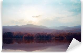 Vinil Duvar Resmi Sonbaharda göl dağ manzara - bağbozumu stilleri.