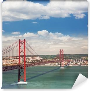 Vinyl Fotobehang 25 april Suspension Bridge in Lissabon, Portugal, Eutopean tr