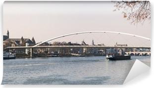 Vinyl Fotobehang Cityscape van Maastricht (Nederland) met Maas in fro