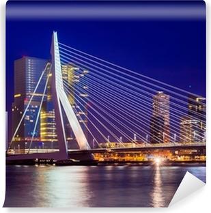 Vinyl Fotobehang Erasmusbrug Tijdens Blue Hour, Rotterdam, Nederland