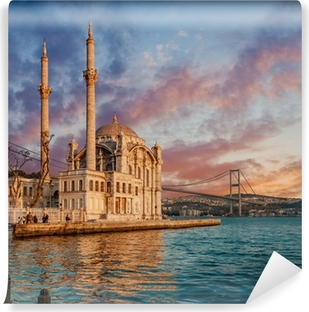 Vinyl Fotobehang Iconic view of Istanbul from Ortakoy with The Bridge, The Mosque and The Bosphorus