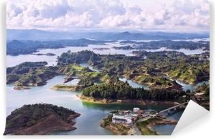Vinyl Fotobehang Luchtfoto van Guatape Lake, Colombia