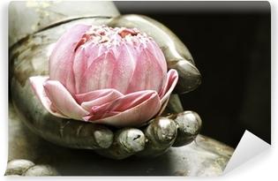 Vinyl Fotobehang Roze lotus in de hand van Boeddha