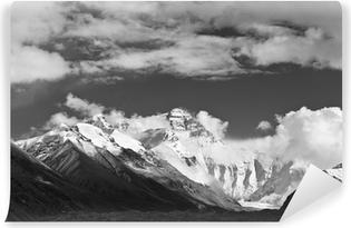 Vinyl Fotobehang Tibet: mount everest in zwart-wit