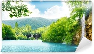 Vinyl Fotobehang Waterval in diepe woud