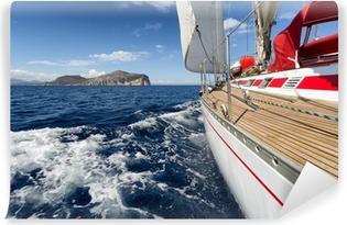 Vinyl Fotobehang Zeilboot in Sardinië kust, Italië