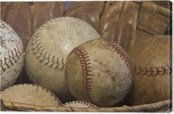 En kurv af gamle baseballs med en antik handske Fotolærred