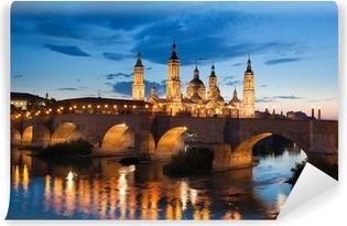 Fotomural Estándar Basílica del Pilar por la tarde a la puesta del sol. Zaragoza, España