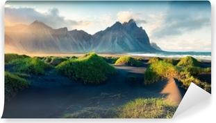 Fotomural Estándar Dunas de arena negra en el promontorio stokksnes