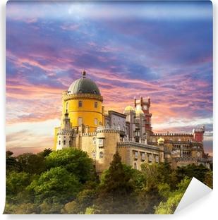 Fotomural Lavable Palacio de hadas contra el cielo del atardecer / Panorama del Palacio de Sintra,