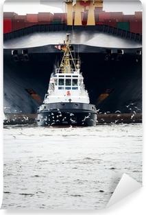Fotomural Lavable Remolcadores tirando carguero