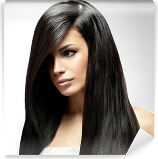 936a2a2d52 Fotomural Hermosa mujer morena con el pelo liso largo y negro • Pixers® -  Vivimos para cambiar