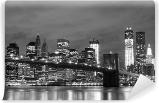 Fotomural Estándar Puente de Brooklyn y Manhattan horizonte en la noche, New York City