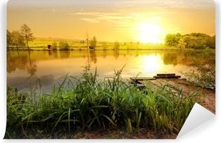 Fotomural Estándar Puesta de sol amarilla en estanque