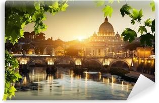 Fotomural Estándar Ver el Tíber y la Basílica de San Pedro en el Vaticano
