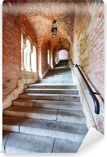 Vinyl-Fototapete Alte Treppen unter einem Ziegelstein-Tunnel