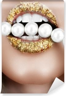 Vinyl-Fototapete Blattgold Mund mit Perlen