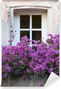 Vinyl-Fototapete Fenster mit Blumen in Saint Tropez
