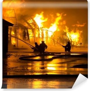 Vinyl-Fototapete Feuerwehrmänner bei der Arbeit