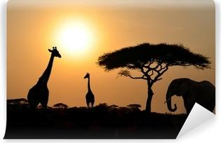 Vinyl-Fototapete Giraffen und Elefanten mit Acacia Baum mit Sonnenuntergang