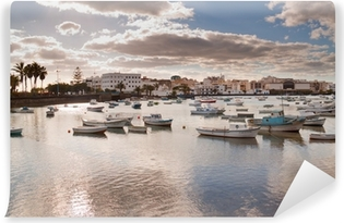 Vinyl-Fototapete Küstenlandschaft von Lanzarote Insel, Spanien.