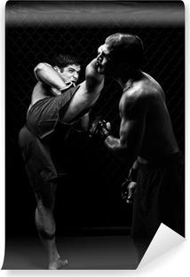 Vinyl-Fototapete MMA - Mixed martial Künstler kämpfen - Tritte
