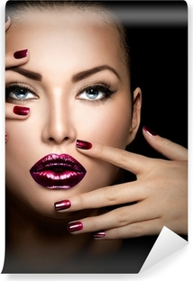 Vinyl-Fototapete Mode Modell Mädchen Gesicht, Schönheit Frau Make-up und Maniküre