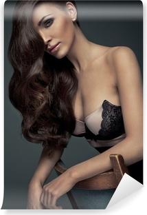 Vinyl-Fototapete Portrait der perfekte Makeup. Schöne sexy Frau mit langen Haaren