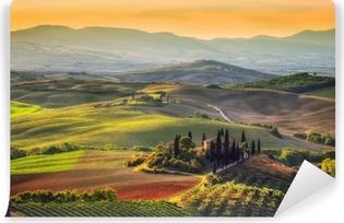 Vinyl-Fototapete Toskanische Landschaft bei Sonnenaufgang