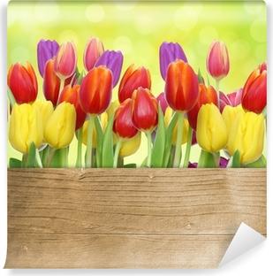 Vinyl-Fototapete Tulpen mit Holztafel