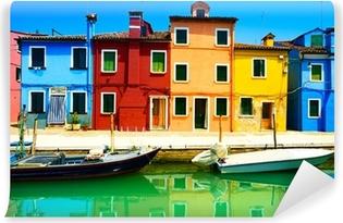 Vinyl-Fototapete Wahrzeichen Venedigs, Burano Insel Kanal, bunte Häuser und Boote,