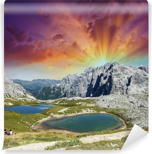 Vinyl-Fototapete Wunderschöne Seen und Gipfeln der Dolomiten. Sommer Sonnenuntergang über Alpen