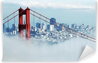 Fototapet av vinyl Golden Gate & San Francisco under tåke