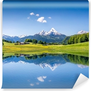 Fototapet av Vinyl Idyllisk sommarlandskap med fjällsjö och Alperna