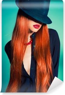 Fototapet av Vinyl Sexig kvinna i hatt