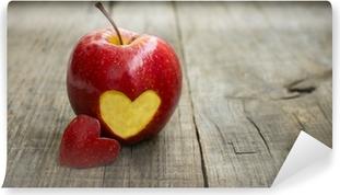 Vinylová Fototapeta Apple s gravírovaným srdcem
