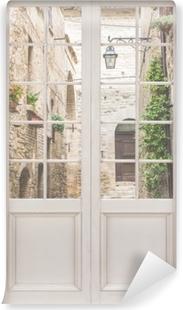 Fototapeta winylowa Białe drzwi - Włochy