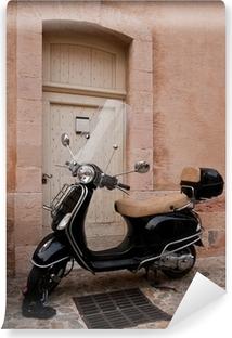 Vinylová Fototapeta Černý skútr zaparkoval v ulicích Marseille