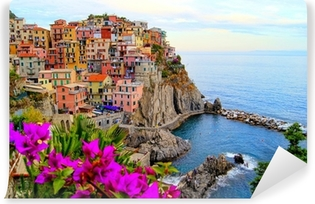 Vinylová Fototapeta Cinque Terre pobřeží Itálie s květinami