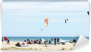 Fototapeta winylowa Concentracion kitesurfingu w Castelldefels