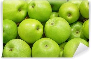 Vinylová Fototapeta Detailní záběr z mnoha zelených šťavnatých jablek ovoce na trhu