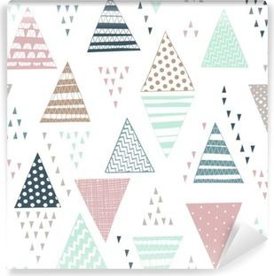 fbb76bf2d44c57 Fototapeta winylowa Jednolite wzór z ozdobnymi ręcznie rysowane trójkąty.
