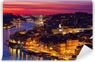 Vinylová Fototapeta Kopec starého města Porto při západu slunce zblízka, Portugalsko