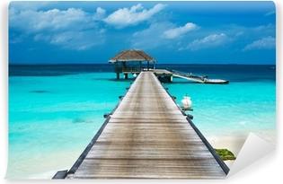Vinylová Fototapeta Krásná pláž s vodními bungalovy