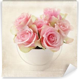 Fototapeta winylowa Kwiaty. różowe róże w wazonie