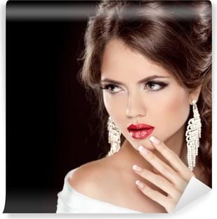 3972a4a25a Fototapeta Eleganckie dziewczyny z czerwonymi ustami. Piękna kobieta.  Fryzura. Makijaż. • Pixers® - Żyjemy by zmieniać
